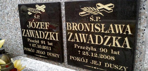 tabliczki nagrobkowe